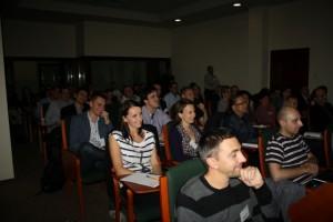 Uczestnicy warsztatu prowadzonego przez Julię