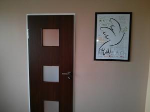 Nowe drzwi zamontowane do starej ościeżnicy