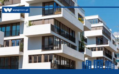 Blaski i cienie zarządzania mieszkaniami na dużą skalę (wywiad z Arturem Kaźmierczakiem)